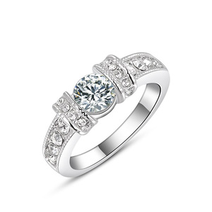 Buckle Bilateral Diamond Ring