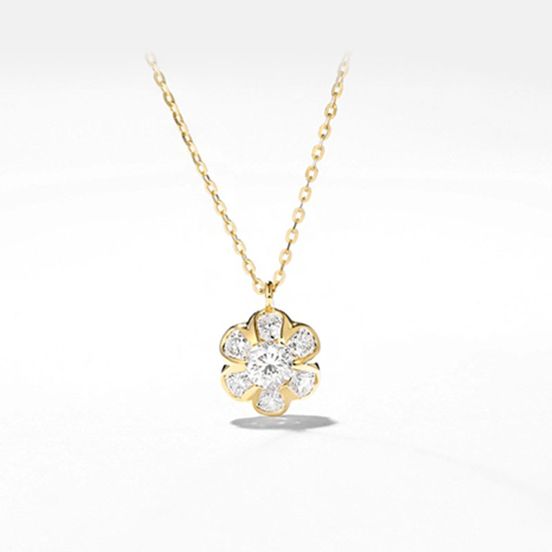 Winter Sweet 18K Gold Diamond Necklace