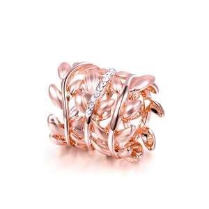 Rattan Diamond Rose Gold Ring
