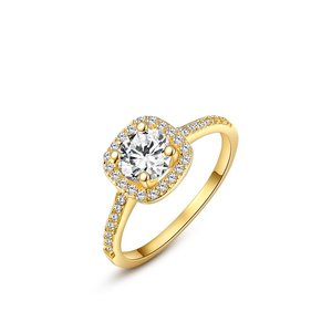 Hearts and Arrows Zirconia 18K Gold Wedding Ring