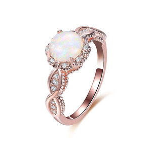 Round Diamond Twist Rose Gold Ring