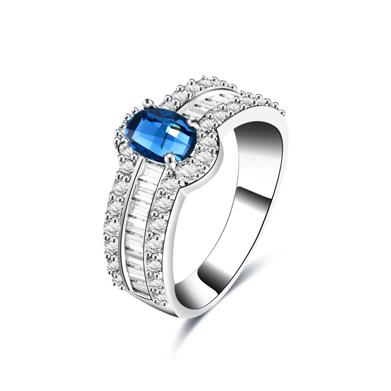 Superstar Sapphire White Gold Ring