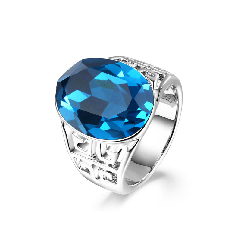 Big Oval Sapphire White Gold Ring