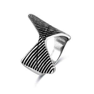 Gentleman Bow Tie Silver Oxide Ring