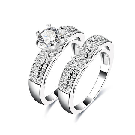 Round Diamond Heart Couple Rings