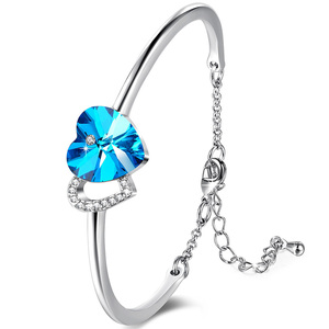 Double Heart Center Blue Bangle