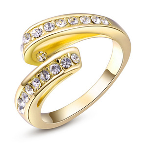 Flying Ribbon Yellow Gold Ring