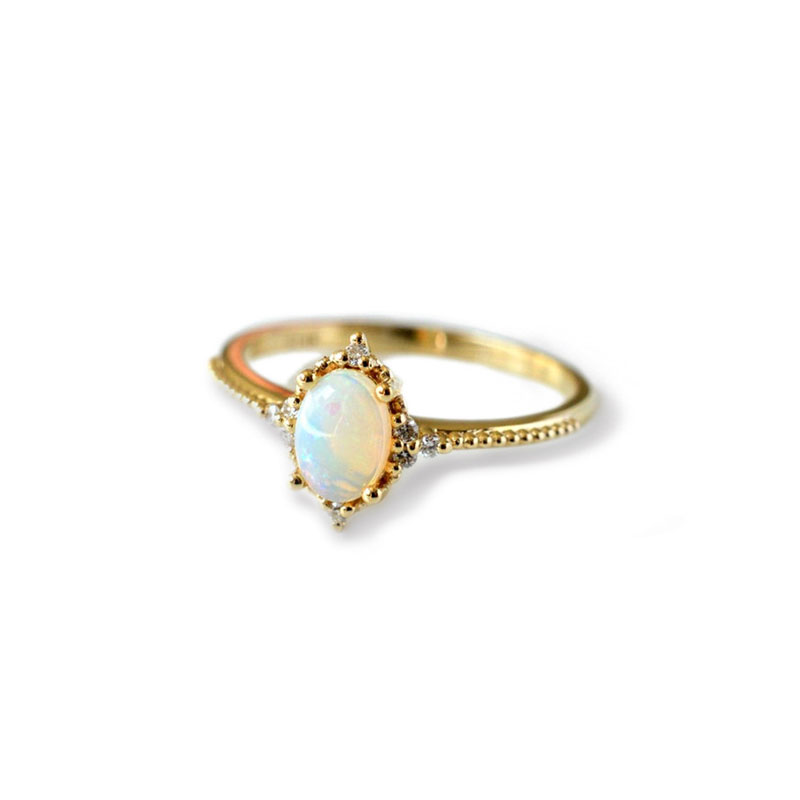 Egg-shaped Opal 18K Gold Ring
