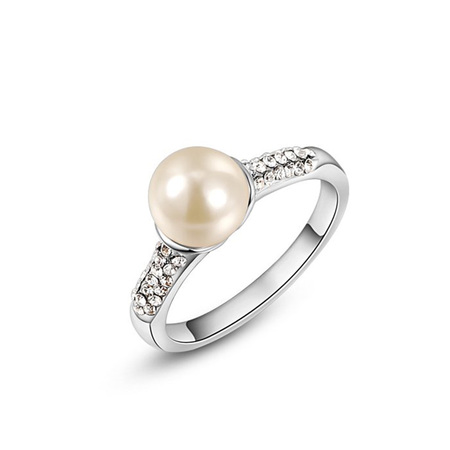 Single Pearl White Gold Ring