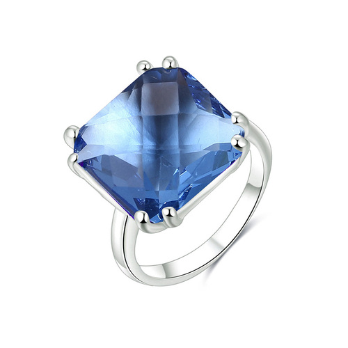 Rhombus Topaz White Gold Ring