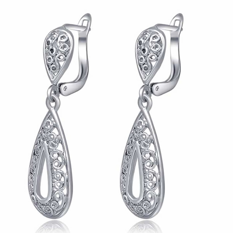 Water Drop White Gold Earrings