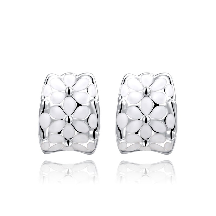 White Petals White Gold Earrings