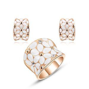 Rose Gold White Flower Set