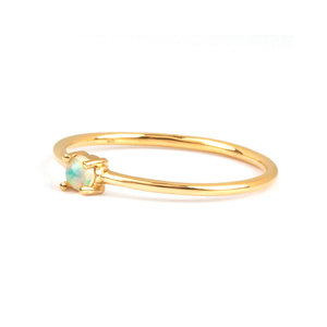 Classic Solitaire Opal 18K Gold Ring