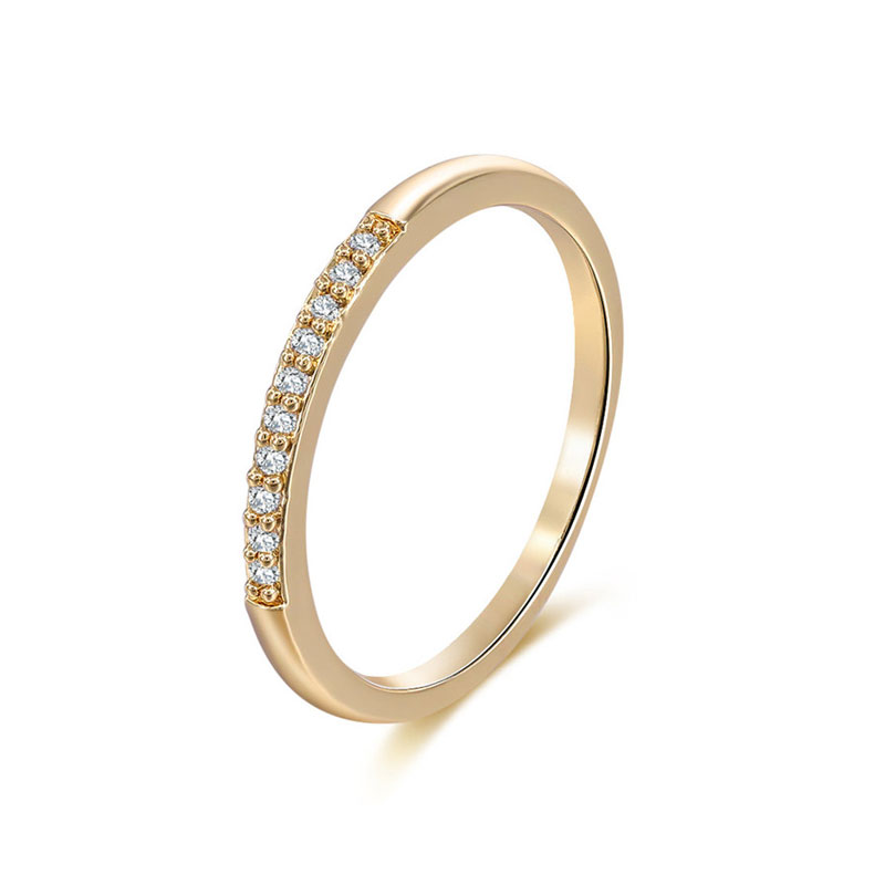 Single Row Diamond 18k Gold Ring