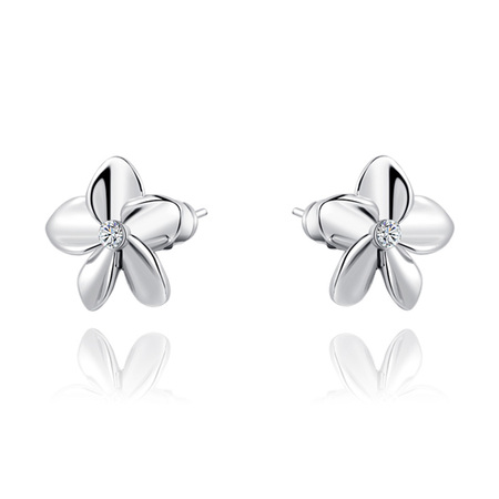 Five-leaf Flower Stud Earrings - White