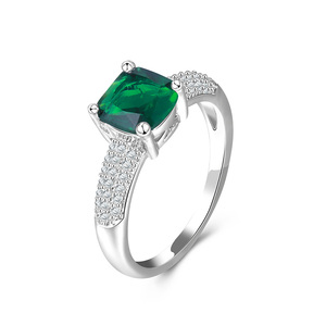 Semi-Mount Emerald Fashion Rings