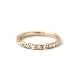Single Row Pearl & Diamond 18K Ring
